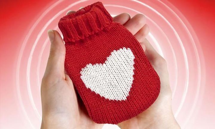Mini bolsa de corazón para las manos