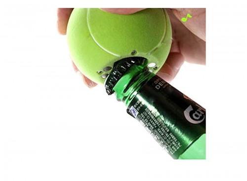 Pelota de tenis abrebotellas